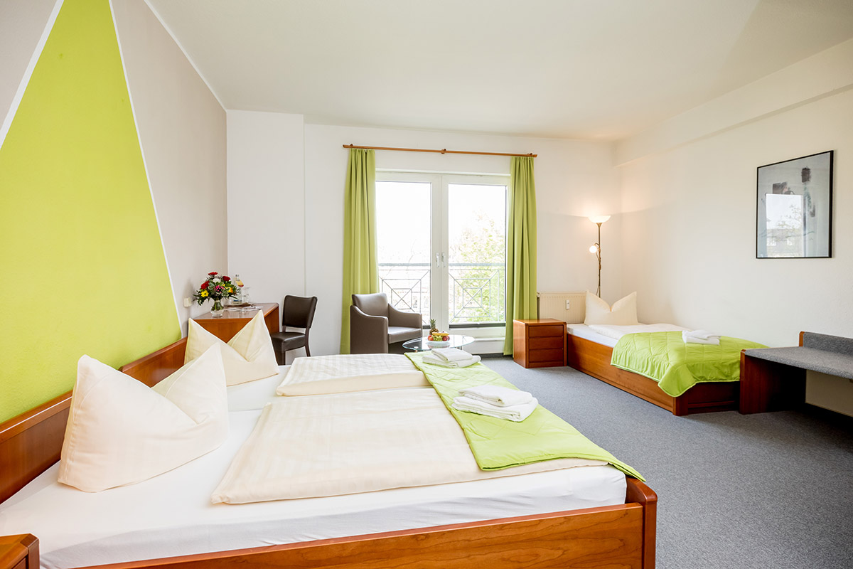 Dreibett Zimmer Hotel Stadtfeld Magdeburg